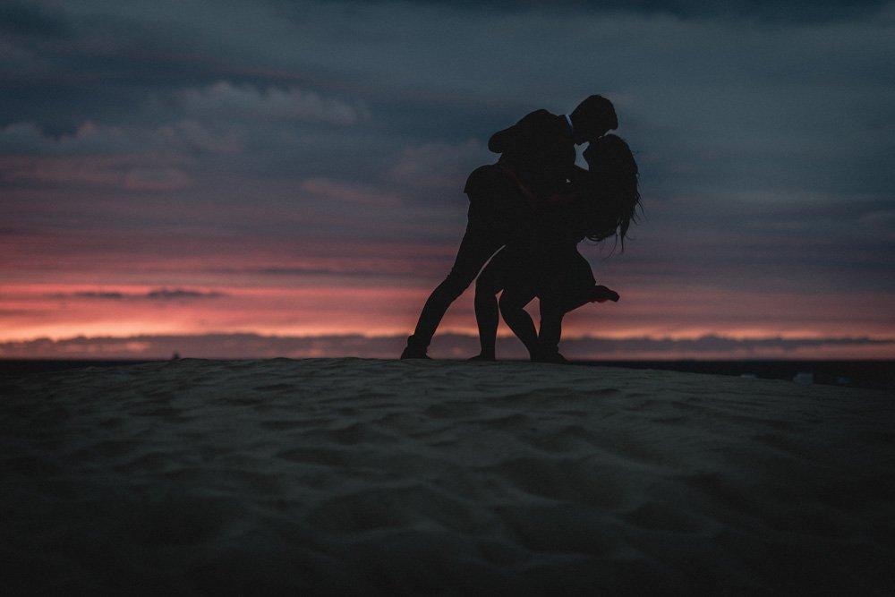 Engagement Shooting mit Paar in Rostock am Warnemünder Strand