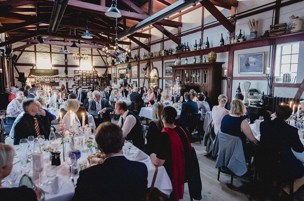 Hochzeit-Rostock-Lokschuppen-Feier
